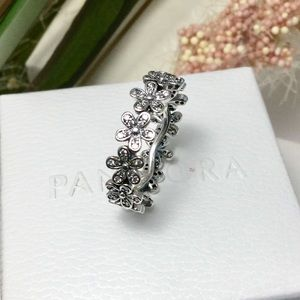 Authentic pandora daisies ring size 7
